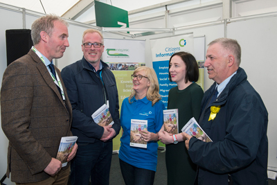 Pictured at the National Ploughing Championships in Tullamore at the launch of the Citizens Information Board/Teagasc booklet on 'Supports for Farmers' are Barry Caslin, Teagasc, Damien O'Reilly, RTE, Cathy Gerrard, CIB, Grainne Griffin, CIB & Professor Gerry Boyle, Teagasc Director. Photo O'Gorman Photography.